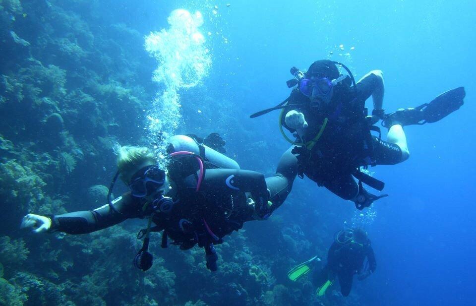 Froggies Divers Bunaken