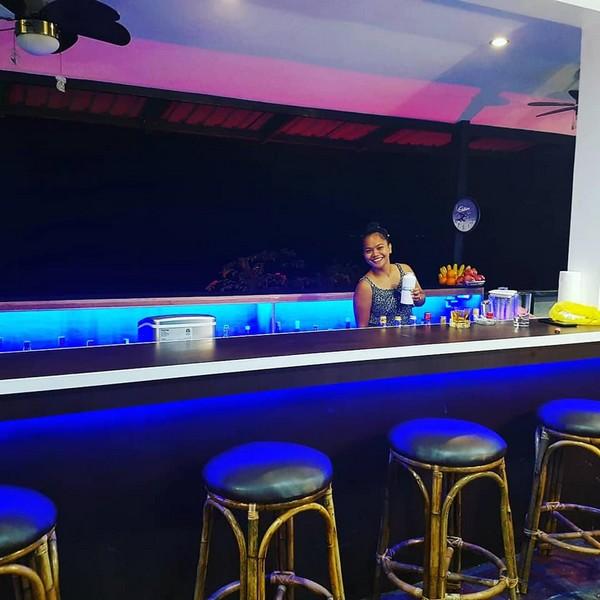 Blue Ribbon Dive Resort bar
