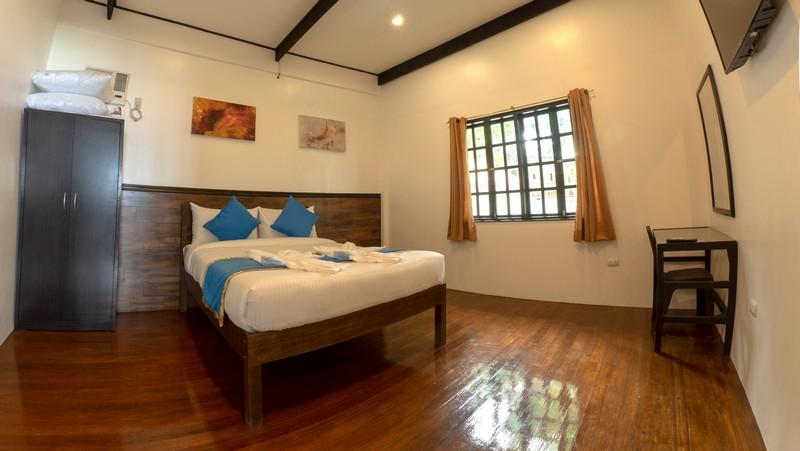 Blue Ribbon Dive Resort room