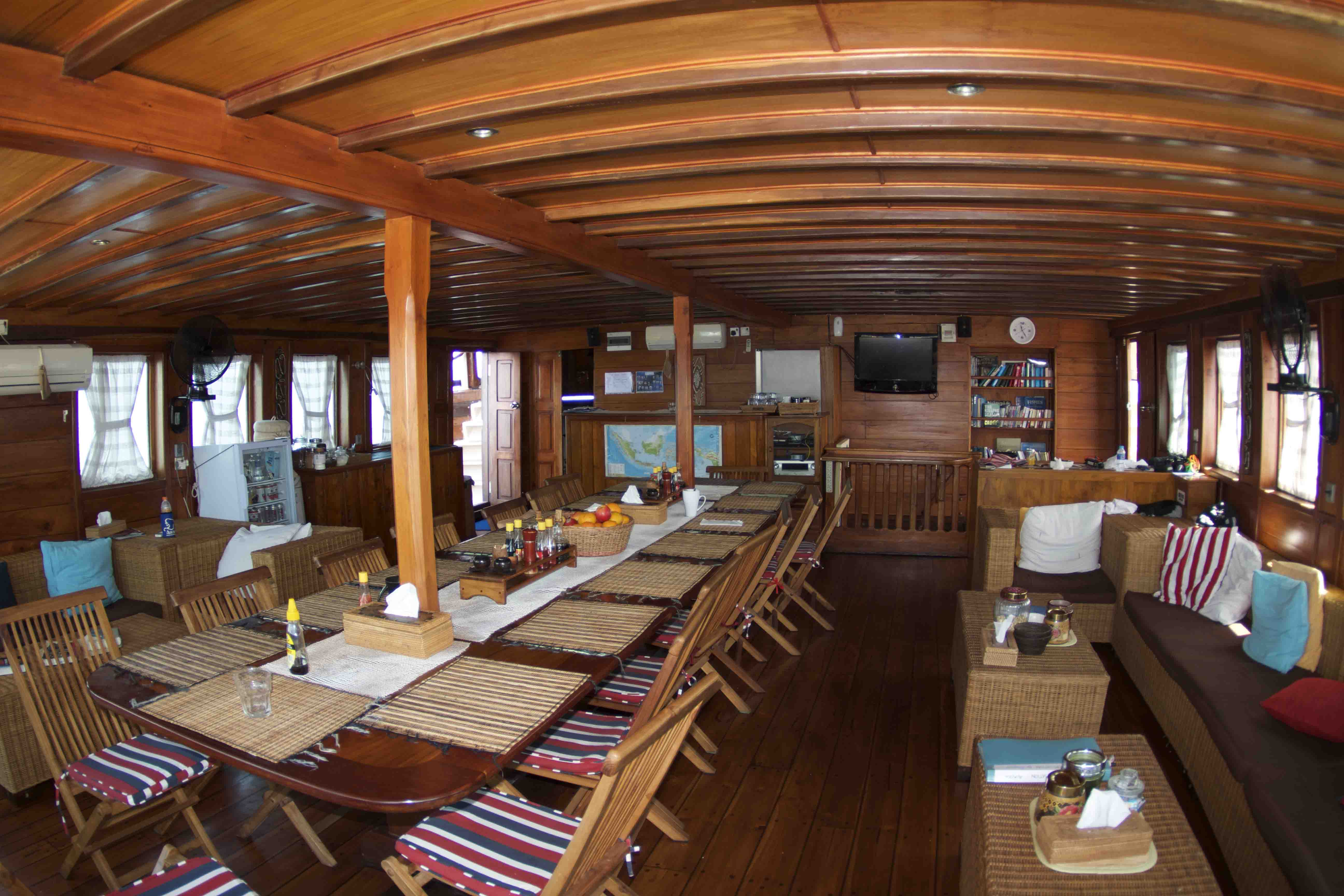 Aurora Liveaboard Reviews Amp Specials Bluewater Dive Travel