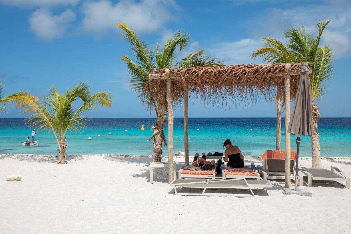 Delfins Beach Resort Bonaire's beach