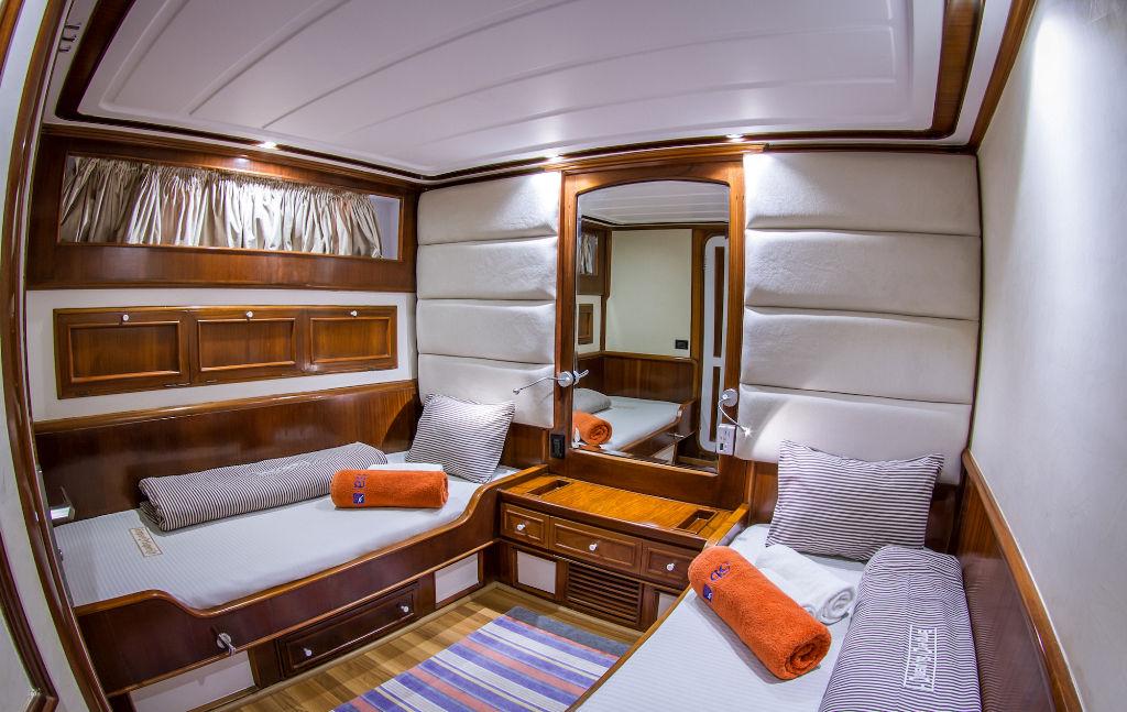 Emperor Superior Lower Deck Twin Cabin