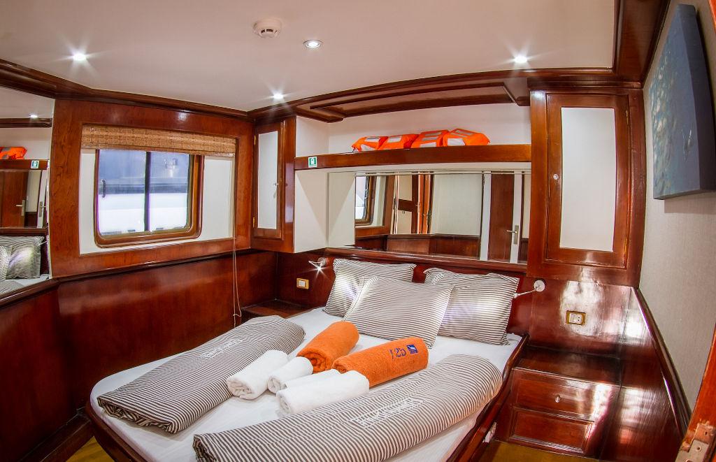 Emperor Superior Upper Deck Double Cabin