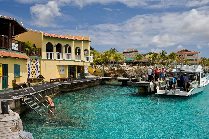 The only padi career development center in bonaire - Bonaire dive resorts ...