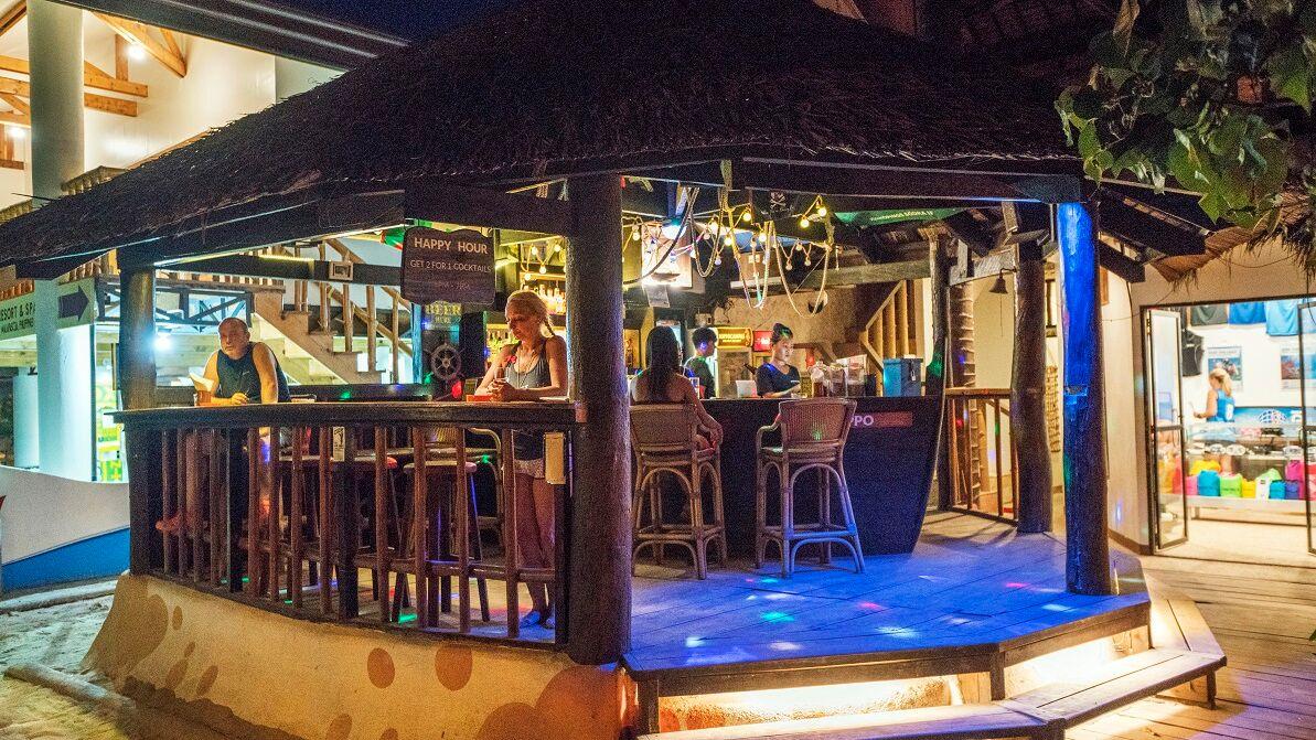 Hippocampus Resort Bar