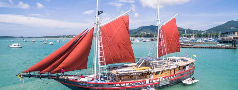 Phinisi liveaboard