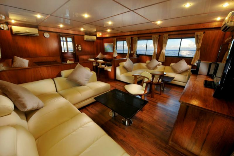 Raja Manta liveaboard diving boat in Indonesia